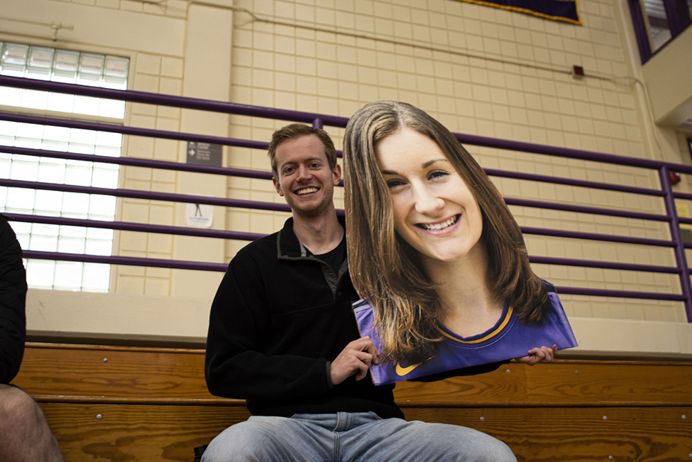 student volleyball fan