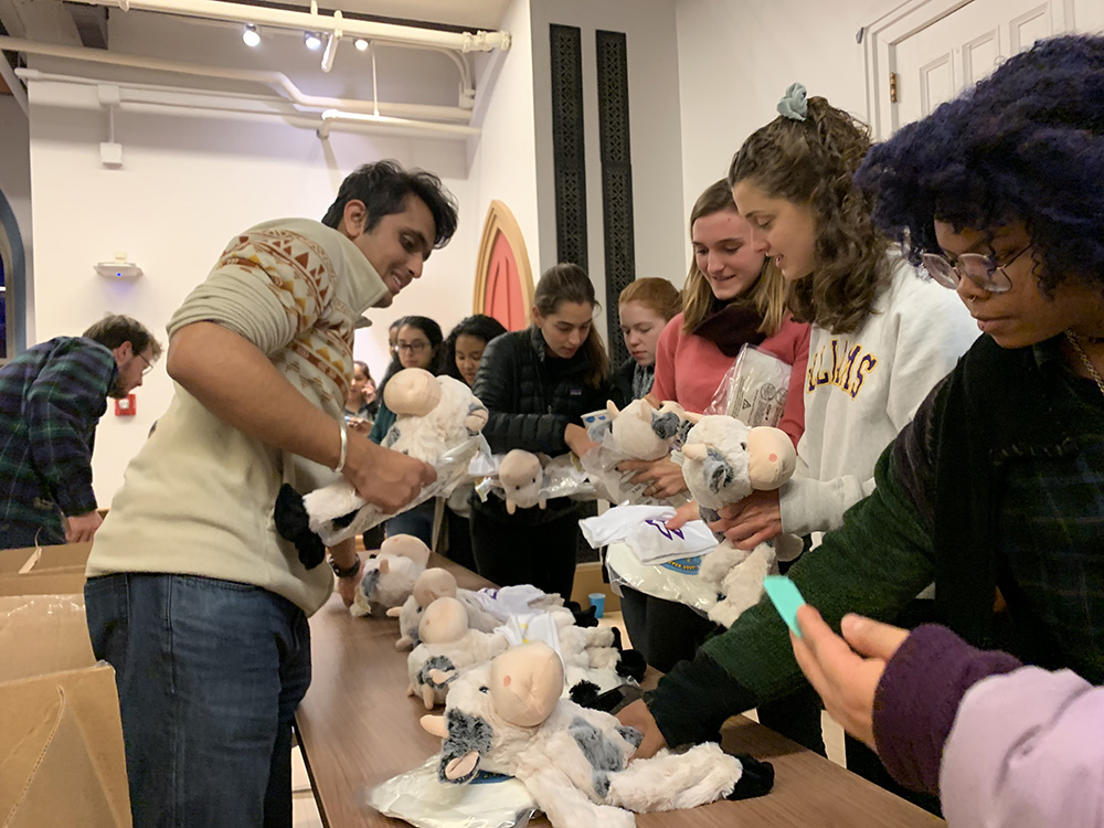 students buying Williams cow dolls